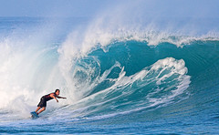 Looking Up (konaboy) Tags: hawaii surf surfer wave surfing bigisland kona kealakekuabay manini 39375