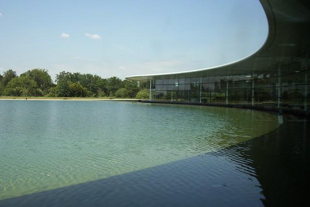 McLaren Technology Centre 045