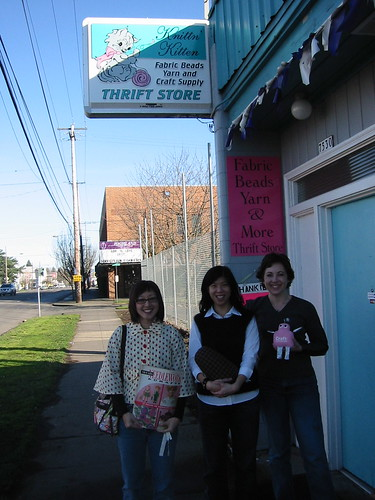 Mariko, Melissa, and Diane with Pink Craftie at Knittn Kitten