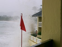 wave2 (Davie2006) Tags: storm danger hotel waves carribean diving