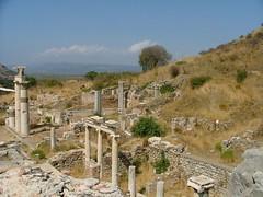 Ephesus / Efez (LeszekZadlo) Tags: old archaeology turkey stones columns limestone marble pillars archeology ephesus ancientgreece efes 5photosaday efez imperiumromanum