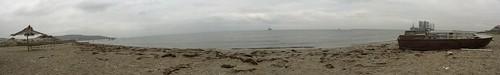 Caspian sea beach, near BP Sangachal Oil Terminal, Sangachal, Azerbaijan / BP石油のサンガチャル ターミナルの近くのカスピ海砂浜(アゼルバイジャン、サンガチャル町)