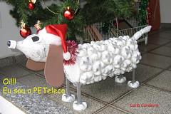 Let me introduce you, my pet: PETeleco!  Apresentando o PETeleco: com garrafas PET (Carla Cordeiro) Tags: natal reciclagem reciclado cachorrinho itanhandu decoraçãonatalina garrafapet peteleco natalreciclado artecomgarrafaspet eralixovirouarte cachorrinhopeteleco