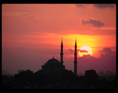 (SERENDIPITY) Tags: sunset sky cloud architecture turkey muslim islam istanbul mosque serendipity friday mercy silhoute forgivness minerate emaratyinusa