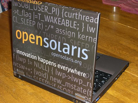 OpenSolaris laptop open