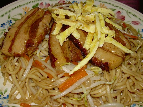 Braised Noodles with Stewed Pork Slices
