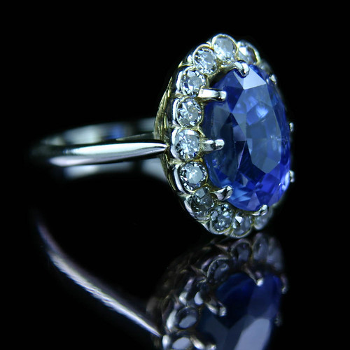 sapphire and diamond ring. brilliant cut diamond ring