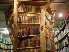 Booktree (ulle.b) Tags: london kew books bookstore bookshop antiquarian antiquariat bcher buchhandlung booktree secondhandbookshop lloydsofkew