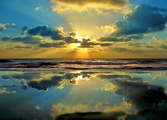 Reflection (Miharbi) Tags: ocean morning sky male clouds sunrise point bravo surf waves highfive maldives amateurs instantfave raalhugandu abeauty colorphotoaward impressedbeauty amateurshighfive invitedphotosonly