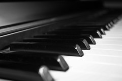 Piano (J. Weissmahr) Tags: blackandwhite white black play piano sound instrument pianos abigfave aplusphoto playaninstrument