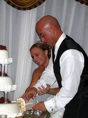 Erin and Chris cutting cake