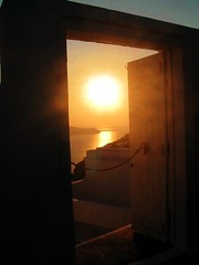Greece Santoniri July 2005 (janthepea) Tags: sun sol soleil blog alba santorini greece jp creativecommons sunrises sole sonne zon amanhecer jeanphilippe       jeepee jeepeenyc  rebuffet jeanphilipperebuffet jeanphilippephotocom renarebuffetcom