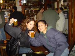 Aitana y Lety (erdeleong) Tags: madrid espaa rastro edeleon