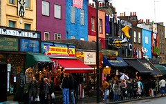 Camden Town - London (Franco Caruzzo) Tags: uk travel winter england holiday london english canon shopping eos 350d market camden kingdom londres inverno turismo canoneos350d mercato eos350d londra viaggio robinhood camdentown vacanza granbretagna londen inghilterra turista mercatino unitekingdom francocaruzzo caruzzofranco robinh00d camdentownlondon camdentownlondra