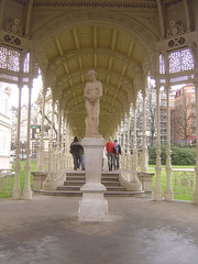 Statue Parkkollonade