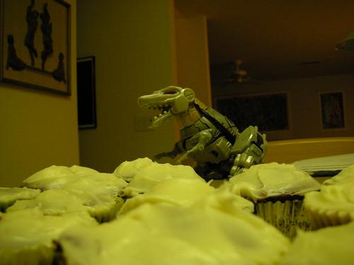 Me Grimlock lost in sea of cuppycakes