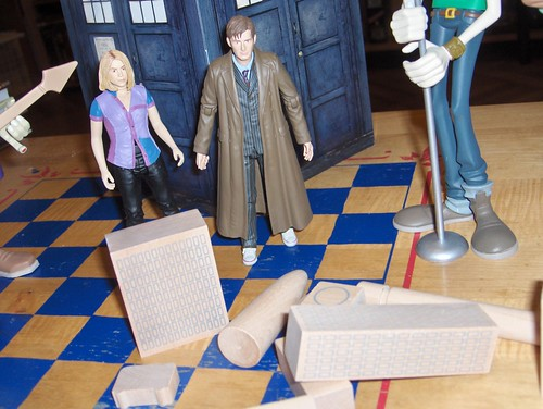 The Doctor and Rose arrive to save the day!