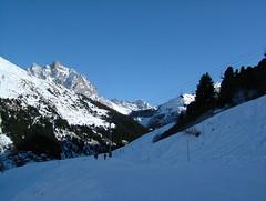 Descent from Tougnette (tom_bennett) Tags: ski meribel freshsnow freshminds