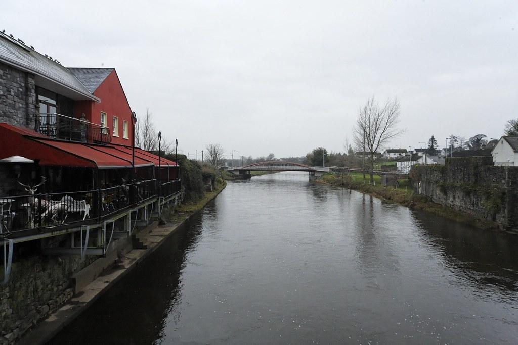 THE TOWN OF TRIM - RIVER BOYNE