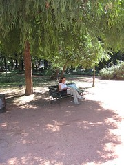 Julee reading in the Botanical Gardens, Buenos Aires