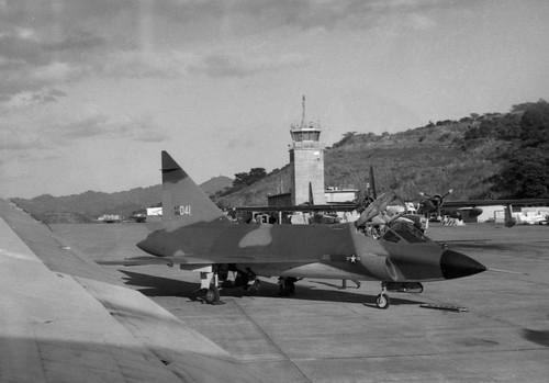 Airplane picture - Convair F-102 Delta Dagger