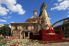 (Noel Arraiz) Tags: plaza urban flores flower valencia fiesta basilica religion sanjose virgen 2007 tradicion fallas falles desamparados ofrena