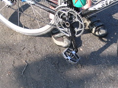 Road bike with MTB Pedals = Rockin'
