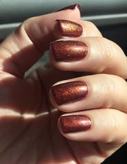 Clarins 230 sobre Chanel Gondola (Jane Iris) Tags: unhas esmalte nail polish clarins 230 unicorn pee xixi unicórnio