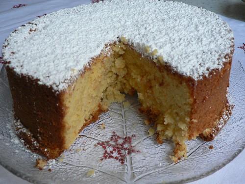 Almond and orange cake 011