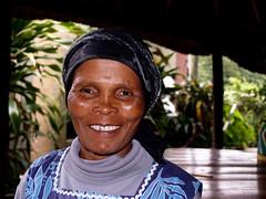 South africa : Portrait a Coffee Bay (KraKote est KoKasse.) Tags: africa southafrica femme coffeebay xhosa sourire afrique krakote forcont wwwkrakotecom valeriebaeriswyl