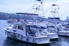 Tres amigos (Esparta) Tags: mexico barco acapulco guerrero yate mexico:state=guerrero mexico:estado=guerrero mexico:state=gro mexico:estado=gro