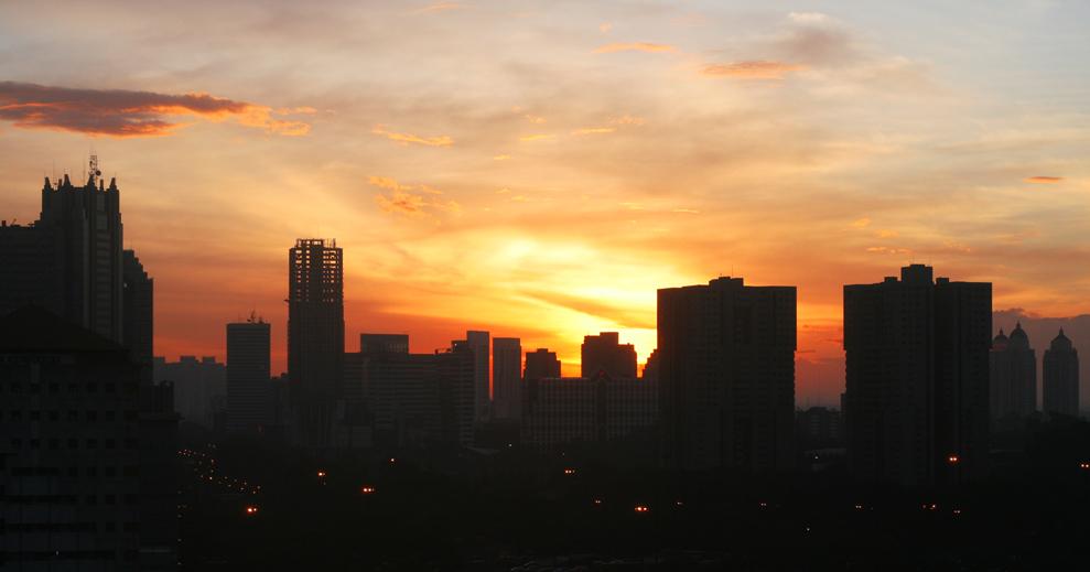 Langit Jakarta Menjelang Kiamat?