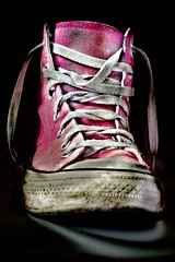 Chuck Taylor (Metabisulfide) Tags: pink light black color colour art luz colors rose contrast photoshop shoe star licht grande high nikon shoes noir all colours colore dynamic d70 nikond70 lace lumire couleurs grunge negro rosa sigma preto zapatos used converse taylor contraste chuck range farbe colori nero schuhe allstar hdr couleur luce 07 laces scarpe chucktaylor chaussures 2007 farben schuh scarpa schwarzes pattini zapato spitze lao cordon chaussure usado cordones sapata pattino 28200 sapatas laos photomatix imagerie usato lacet dynamique merletti gamme merletto sigma28200 metabisulfide lacets impressedbeauty use utilizado spitzee