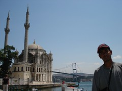Ortakoy Mosque dan Bosphorus Bridge, Istanbul, Turkey