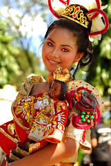 sinulog beauty (SINULOG 2007) (Victor Bautista) Tags: portrait beautiful lady wow interesting asia philippines victor cebu vic filipina southeast cebucity bautista sinulog nikkon cebusugbo victorio victorbautista pinoyphotographer vicbautista victoriobautista pinoyinhongkong hongkongphotographer victorphotography victorbautistaphotography
