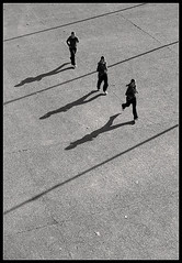La maladie d'amour  (Laurent Filoche) Tags: street silhouette nikon shadows sequence jog fivestarsgallery bonzography streetportfolio