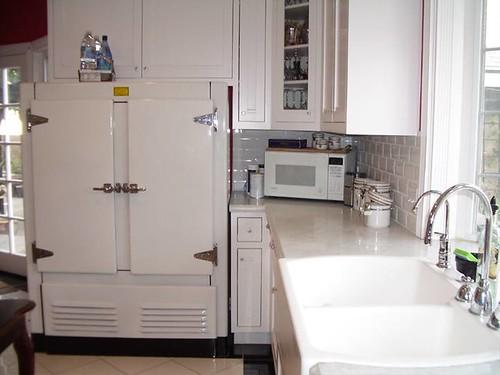 Kitchen, Fridge