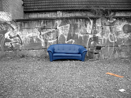 Sofa im Regen