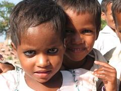 Indian kids at Vrindavan 3 (Guismooo) Tags: india kids vrindavan