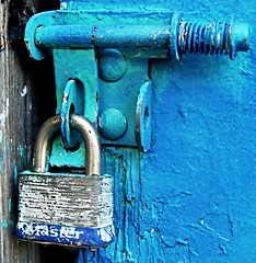 A blue lock for George - by Darwin Bell