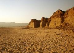 Cape Monze (Aliraza Khatri) Tags: pakistan mountains beach olympus cape karachi sindh mounts fe180