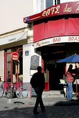 09_Paris, Rue Lepic, les 2 Moulins (Calinore) Tags: street city paris france silhouette backlight