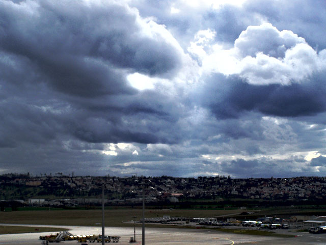 clouds in stuttgart airport