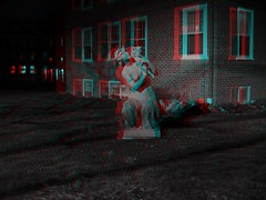 3D Melusine (Happy Monkey) Tags: sculpture statue night evening stereophotography 3d anaglyph stereo nighttime mermaid siren redblue melusine 20016 redcyan baubo baubosiren
