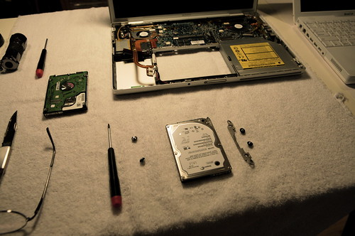 MacBook Pro Hard Disk Replacement (detail)
