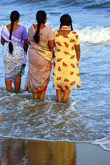 The three see sea (Jaswant Zafar) Tags: sea people india water women chennai hun tamilnadu jaswantzafar trulydesi