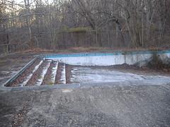 Henryton pool (Scaramouche!) Tags: pool deadleaves maryland abandonedbuilding henryton henrytoncenter weirdmaryland