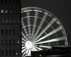 Manchester Eye (Alan Stenson) Tags: bw night manchester blackwhite manchestereye d80