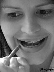 Teca Alfa (Lilian Araújo) Tags: portrait white black branco friend retrato makeup amiga maquiagem pb preto alfa teresa batom ruído