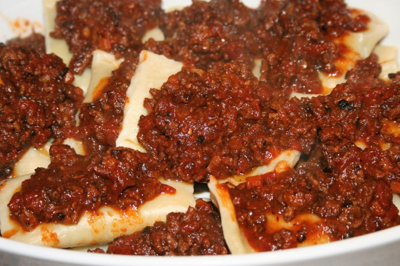 Ricotta Spinach Ravioli in Meat Sauce